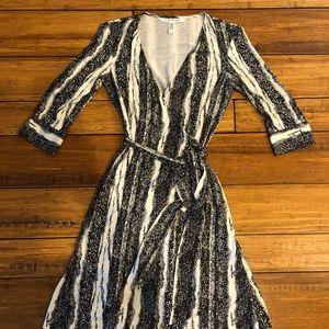 Diane von Furstenberg Wrap Dress 4 Silk Black
